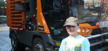 Elfjähriger Junge sammelt Müll rund um den Gillesbach ein
