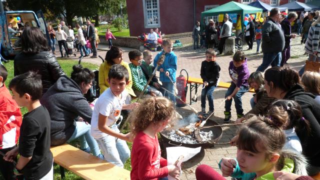 Weltkindertag starten an der Alsdorfer Burg