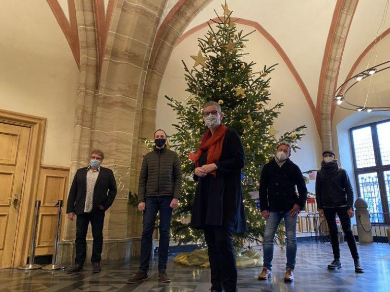 Wunschzettel-Weihnachtsbaum Oberbürgermeisterin Frau Keupen